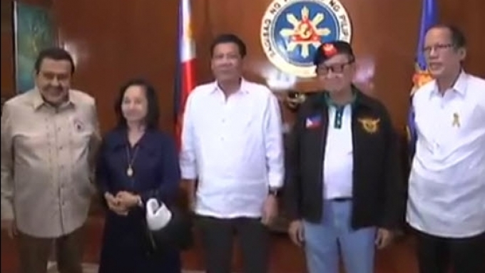 President Duterte meets with GMA, Ramos, PNoy, and Erap