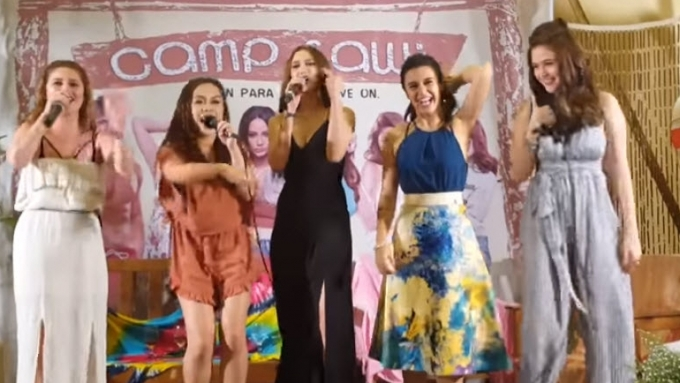 Camp Sawi Girls perform Salbakuta's 'Stupid Love'