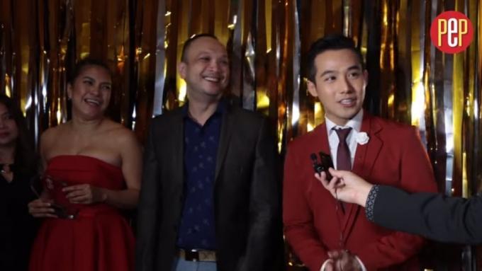 Ken Chan and 'Destiny Rose' team on winning award