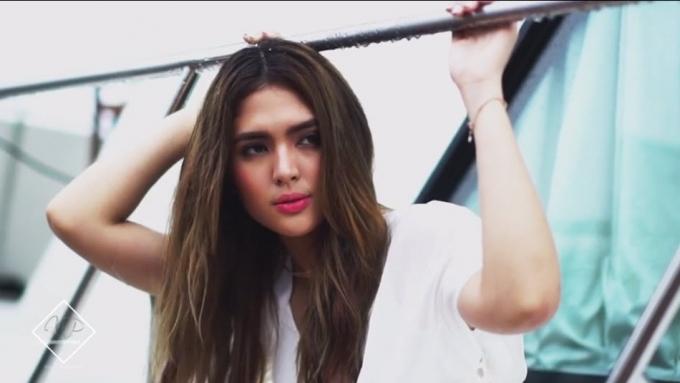 Sofia Andres chooses: Maganda boses o maganda katawan?