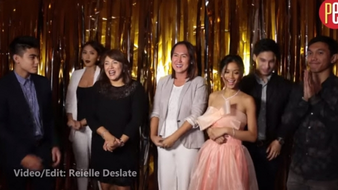 OTWOL cast and director thanks OTWOListas for award