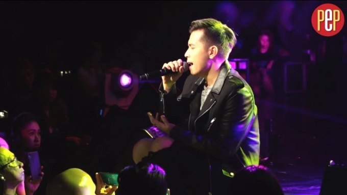 Jason Dy serenades fans with 'If You're Not the One'