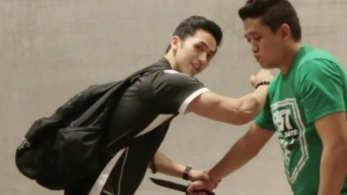 Enzo Pineda's defense against knife attack
