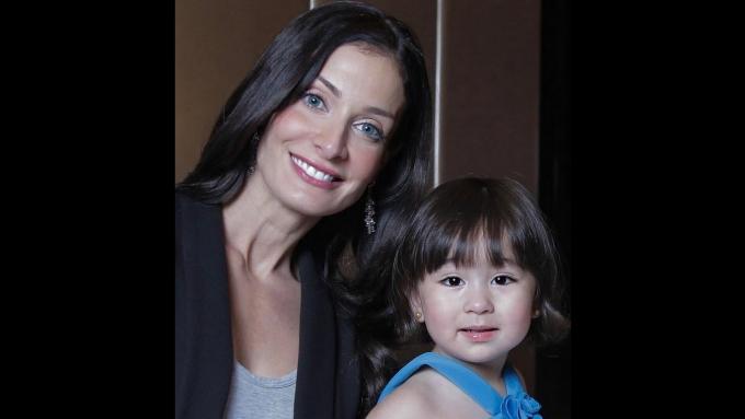 Scarlet Snow Belo meets Miss Universe 1993 Dayanara Torres