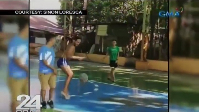 "Sino ""Rogelia"" Loresca plays basketball... in heels!"