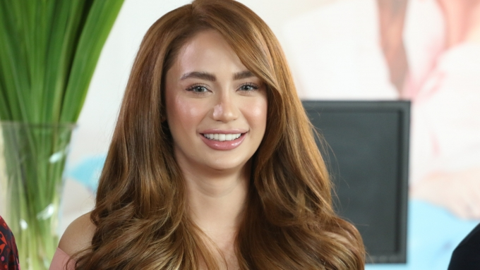 Arci Muñoz admits two things about herself in this video