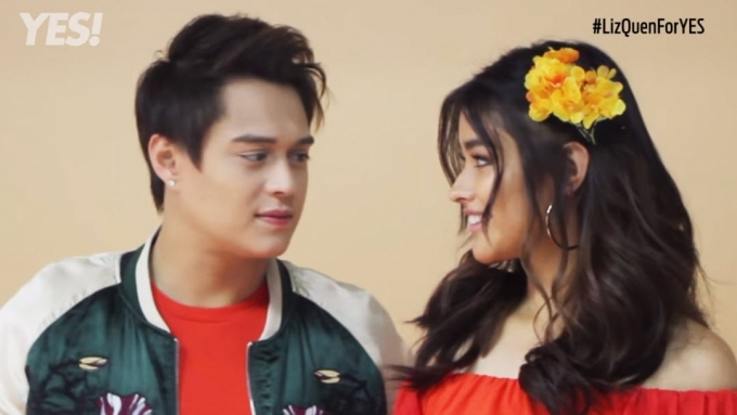 Liza and Enrique's exchange of glances in this video