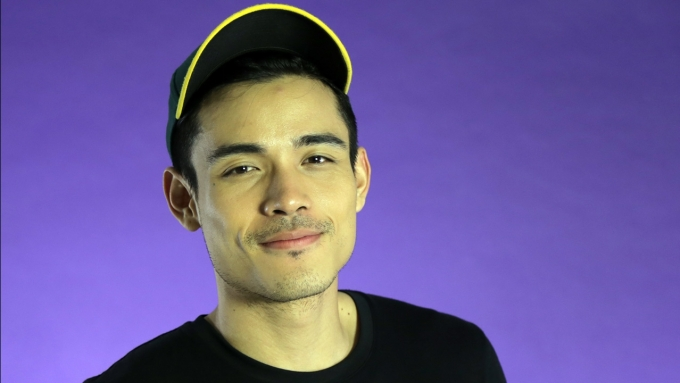 What would Xian Lim choose between acting and singing?