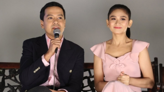 John Lloyd tries to explain the 'magic' of Sarah