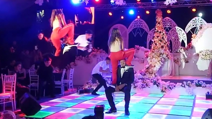 Rochelle Pangilinan surprises Arthur Solinap with dance