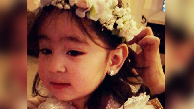 Watch cute Scarlet Snow sing HBD song
