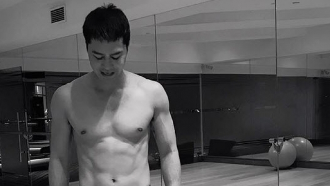 Why did Zanjoe Marudo post half-naked photos of himself?