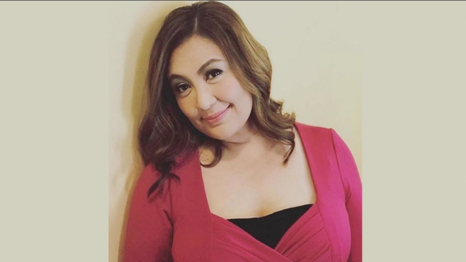 "Sharon Cuneta asks friends about ""heat"" she feels"