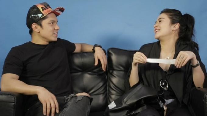 Bela asks Carlo: 'Kung mayro'n kang ex na babalikan..?'