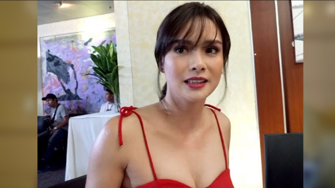 "Erich Gonzales on Kris Aquino as her ""stagemother"""