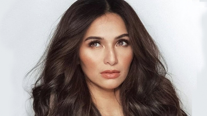 How does Jennylyn Mercado handle stress and anger?