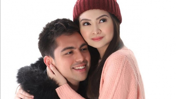 This is how Derrick Monasterio cheers up Barbie Forteza