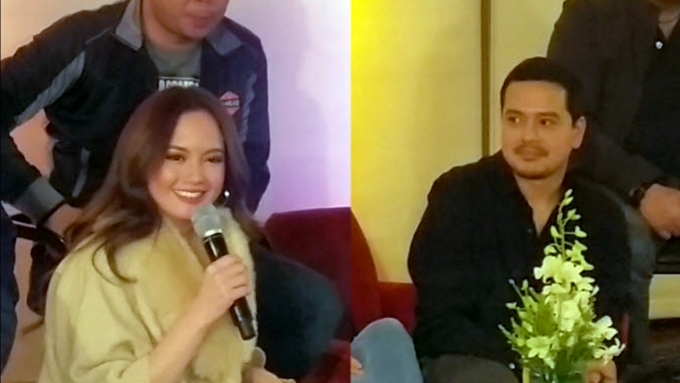 #FlashbackFriday: Ellen, John Lloyd on how they first met