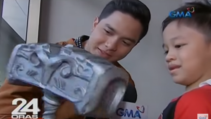 Alden Richards surprises Victor Magtanggol fan