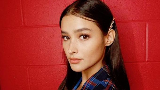 Liza Soberano sumakay ng jeepney sa UP, nag-iskrambol pa
