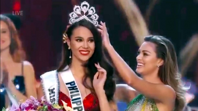 Watch Catriona Gray announced as Miss Universe 2018