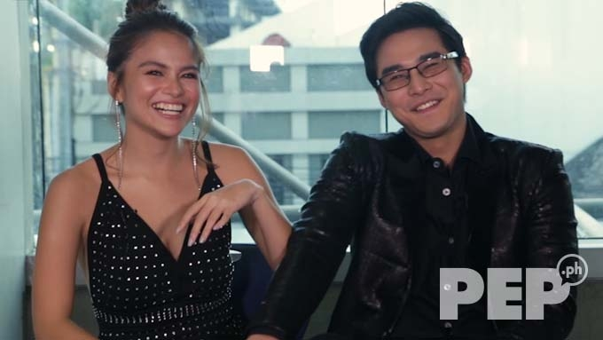 Elisse Joson and McCoy de Leon try to copy each other