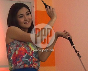 PEPtalk Flash. Sheena Halili showcases poi dancing skill!