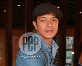Jericho Rosales reveals what it is like to have Angel Locsin as leadin