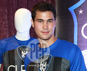 Phil Younghusband wishes to have a garden wedding with Angel Locsin