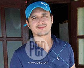 """John Estrada's birthday wish for Zanjoe Marudo: """"Sana ikasal na"""