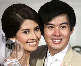 Shamcey Supsup and Lloyd Lee tie the knot