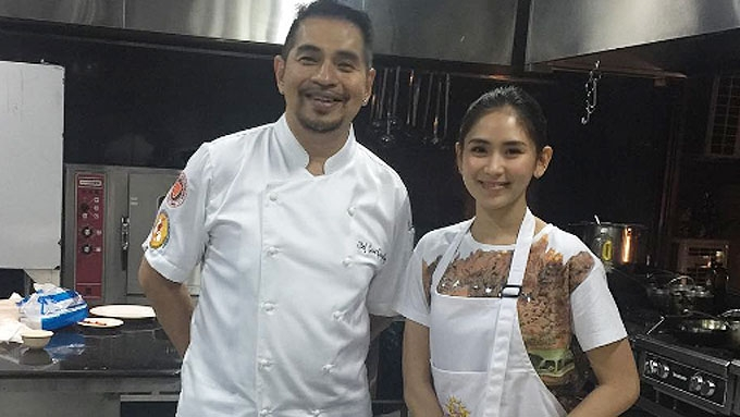 Sarah Geronimo is learning how to cook