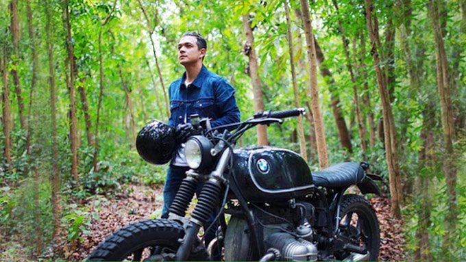 Jericho Rosales's collection of motorbikes and cars