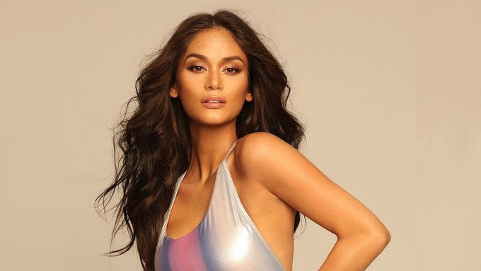 Pia Wurtzbach poses for final photo shoot as Miss Universe