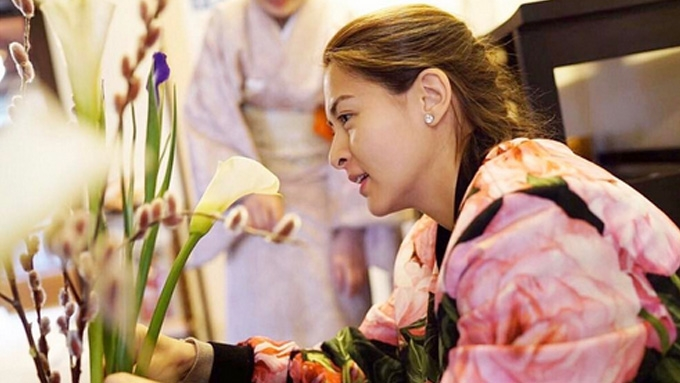 Marian Rivera takes floral arrangement lessons in Japan