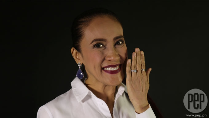 Ai-Ai delas Alas flashes dazzling engagement ring!