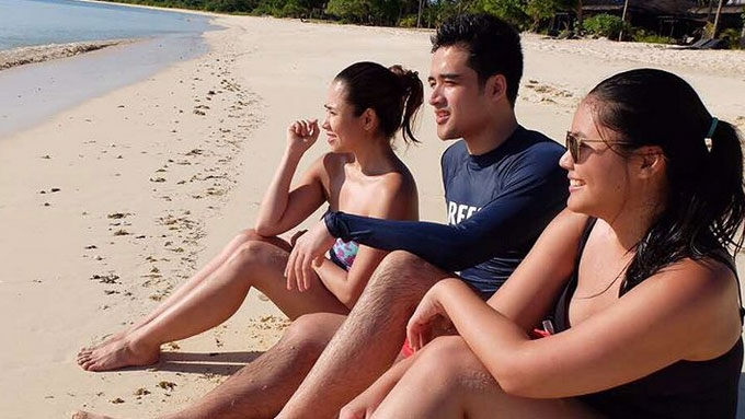 Vic Sotto brings family to Balesin for birthday getaway