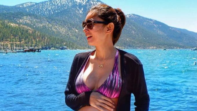 Maricar De Mesa a glowing preggy in bikini