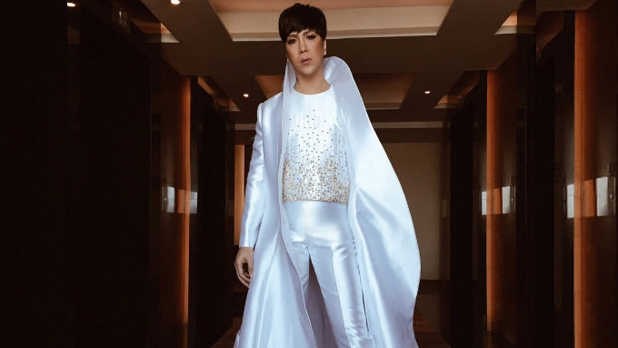 Vice Ganda almost steals spotlight from new bride Divine Lee