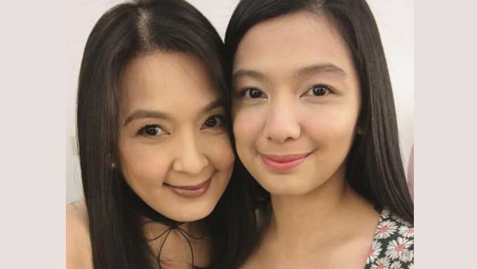 Jennica Uytingco gets a sweet surprise from mom Jean Garcia
