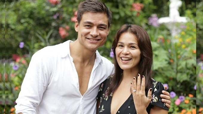 A closer look at Iza Calzado's three-stone engagement ring