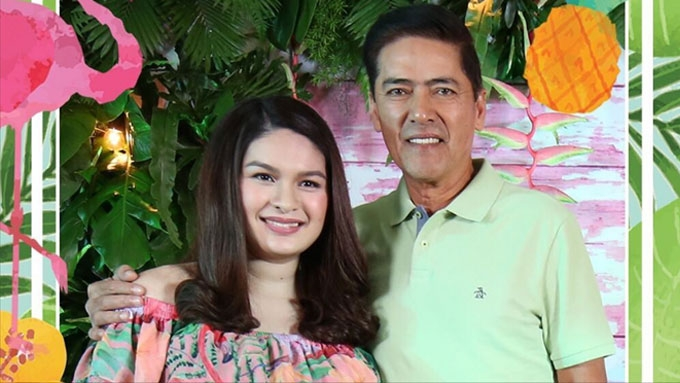 Pauleen Luna and Vic Sotto touched by the support of the latter's children