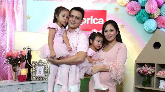 Patrick and Nikka Garcia happy bonding with Jennylyn Mercado and son Alex Jazz