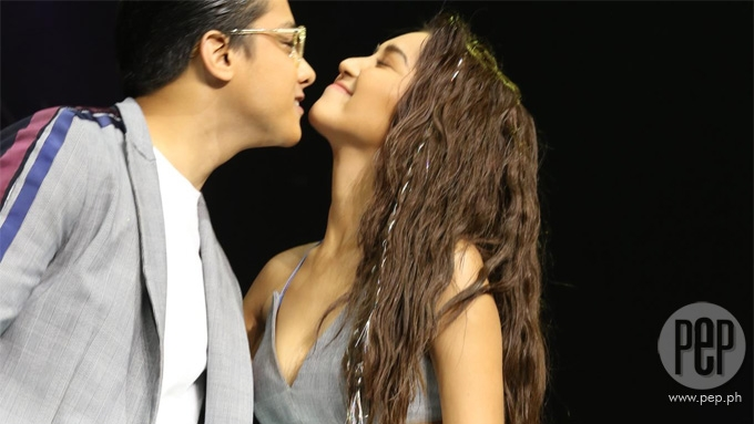 Kathryn, Daniel spread kilig vibes at <em>Bench Under The Stars</em>