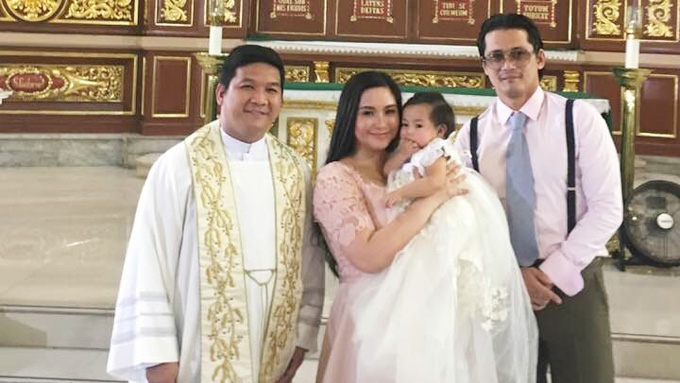 Robin and Mariel will let daughter choose her religion