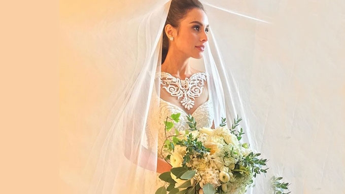 Max Collins's grand entrance in Francis Libiran bridal gown