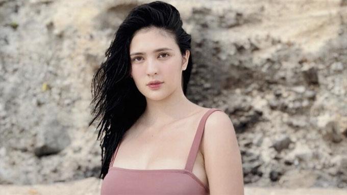 Sofia Andres In Bikini Leaves Netizens Gaping In Awe