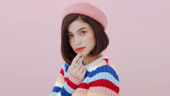 Anne Curtis reveals the most useful item in her makeup kit