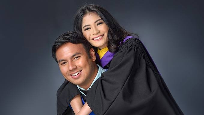 john manalo and girlfriend erika rabara graduate from