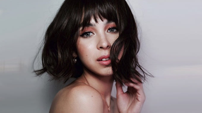 Julia Barretto Looks Chic In A Bob Hairstyle